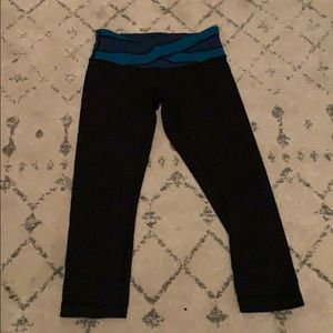 Lululemon black crop leggings